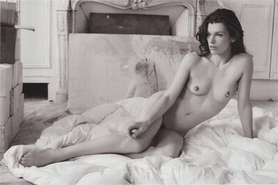 Picture tagged with: Brunette, Celebrity - Star, Milla Jovovich
