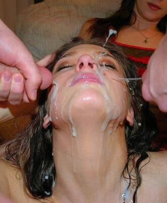 Picture tagged with: Brunette, Cumshot, Facial, Threesome