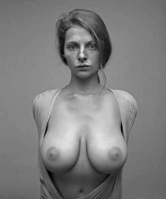 Picture tagged with: Busty, Black and White, Boobs