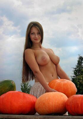 Picture tagged with: Brunette, Busty, Boobs, Nature