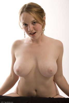 Picture tagged with: Busty, Redhead, Boobs
