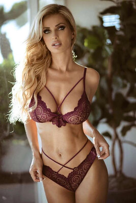 Picture tagged with: Busty, Skinny, Blonde, Leanna Bartlett, Lingerie, Tummy