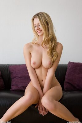Picture tagged with: Blonde, Femjoy, Boobs