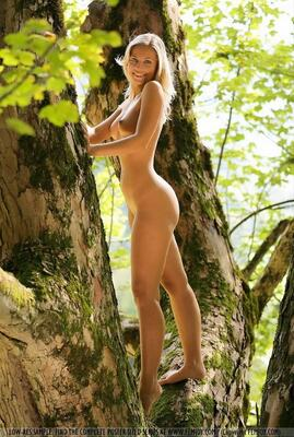 Picture tagged with: Blonde, Femjoy, Nature