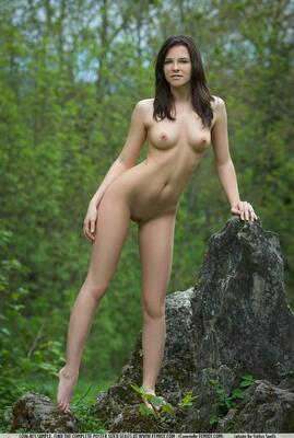 Picture tagged with: Femjoy, Brunette, Nature