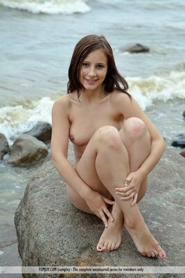 Picture tagged with: Brunette, Femjoy, Rosalin E, Smiling