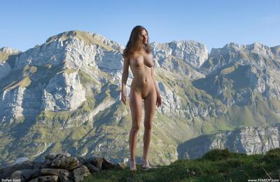 Picture tagged with: Femjoy, Busty, Alpengluehen, Susann