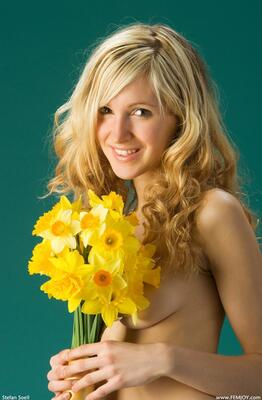 Picture tagged with: Femjoy, Busty, Blonde, Corinna, Daffodils