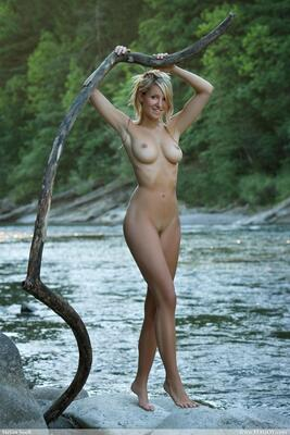 Picture tagged with: Femjoy, Busty, Blonde, Corinna, Magic River