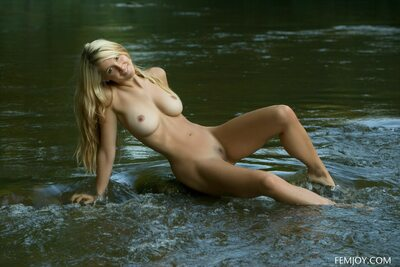 Picture tagged with: Femjoy, Busty, Blonde, Corinna, Minnow