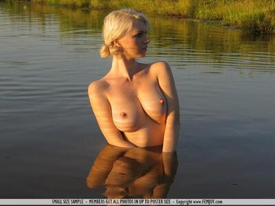 Picture tagged with: Femjoy, Nature