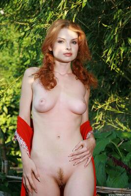Picture tagged with: Femjoy, Redhead, Nature