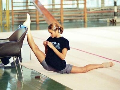 Picture tagged with: Flexible, Gymnast