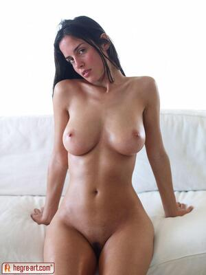 Picture tagged with: Brunette, Busty, Hegre Art, Muriel, White Serene