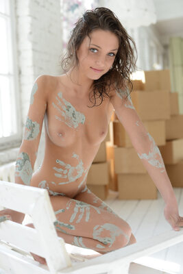 Picture tagged with: Aramiro, Brunette, Foxy Di - Nensi B, MET Art