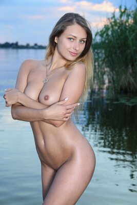 Picture tagged with: Brunette, Duaz, MET Art, Yarina A, Nature