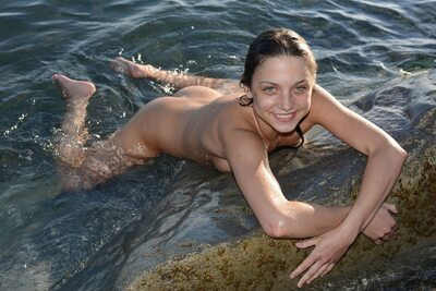 Picture tagged with: Brunette, Foncara, Foxy Di - Nensi B, MET Art, Nature
