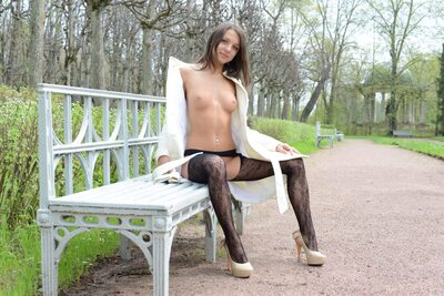 Picture tagged with: Brunette, Foxy Di - Nensi B, MET Art, Mirtila