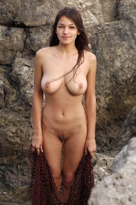 Picture tagged with: MET Art, Busty, Brunette, Boobs, Capture Me, Nature, Sofi A
