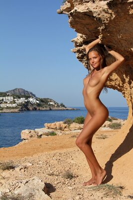 Picture tagged with: Skinny, Amaret, Blonde, Katya Clover - Mango A, MET Art, Nature