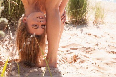 Picture tagged with: Skinny, Blonde, MET Art, Patritcy A, Yalline, Beach, Funny, Nature