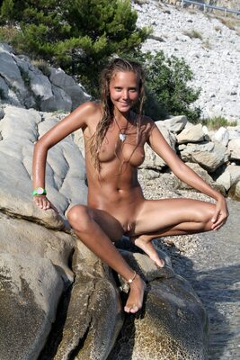 Picture tagged with: Skinny, Befreit, Blonde, Katya Clover - Mango A, MET Art, Nature