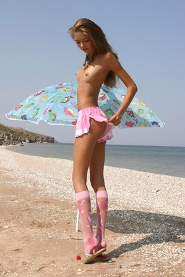 Picture tagged with: MET Art, Skinny, Brunette, Alena I, Beach, Small Tits, Solare