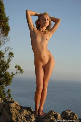 Picture tagged with: Skinny, Blonde, MPL Studios, Flat chested, Nature, Small Tits