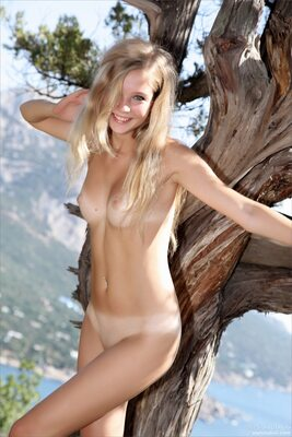 Picture tagged with: Skinny, Blonde, MPL Studios, Sienna, Nature