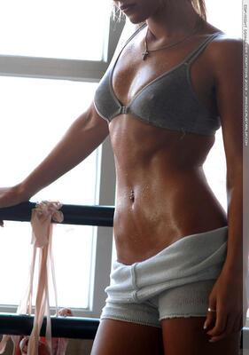 Picture tagged with: Nicky Whelan, Sport, Tummy