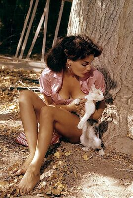 Picture tagged with: Brunette, Marilyn Hanold, Playboy, Cat, Celebrity - Star, Nature, Vintage