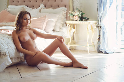 Picture tagged with: Brunette, Nicole Young - Nicole Ross - Nika Kolosova, Playboy, Small Tits