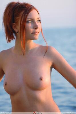 Picture tagged with: Redhead, Boobs