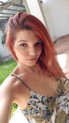 Picture tagged with: Redhead, Camgirl, Chaturbate, Jessy loollypop, nood.tv