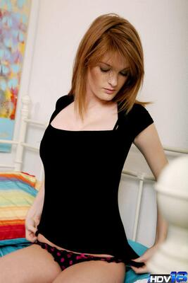 Picture tagged with: Faye Reagan, Redhead, Safe for work