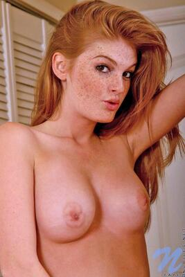 Picture tagged with: Redhead, Faye Reagan