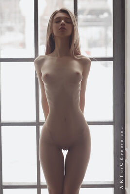 Picture tagged with: Skinny, Anna Tsaralunga, Blonde, Small Tits, Tummy