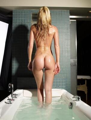 Picture tagged with: Skinny, Blonde, Ass - Butt, Bath