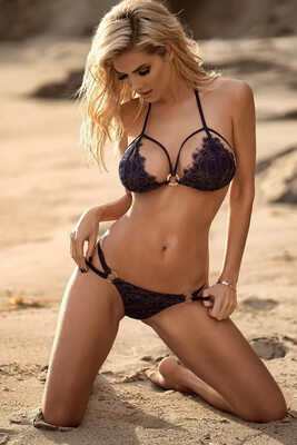 Picture tagged with: Skinny, Blonde, Beach, Bikini, Leanna Bartlett, Tummy