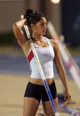 Picture tagged with: Skinny, Allison Stokke, Brunette, Sport