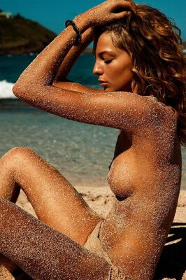 Picture tagged with: Skinny, Brunette, Daria Werbowy, Beach, Celebrity - Star
