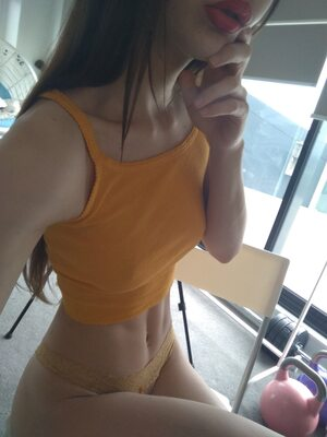 Picture tagged with: Skinny, Brunette, Camgirl, ManyVids.com, MissAlice_94 - MissAlice_18, Selfie, nood.tv