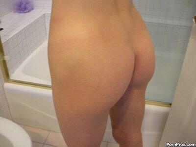 Picture tagged with: Skinny, Brunette, Kasey Chase, Ass - Butt