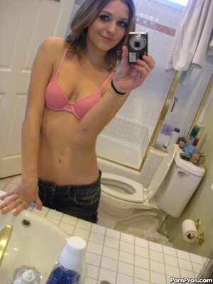 Picture tagged with: Skinny, Brunette, Kasey Chase, Cute, Selfie, Small Tits, Tummy