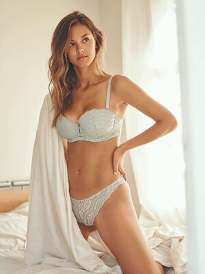 Picture tagged with: Skinny, Brunette, Lingerie, Nicola Cavanis