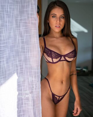 Picture tagged with: Skinny, Brunette, Lingerie, Tummy, Violet Summers