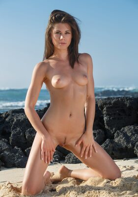 Picture tagged with: Skinny, Brunette, Little Caprice, Villade, Beach, Cute, Small Tits