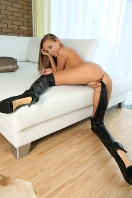 Picture tagged with: Blonde, Katya Clover - Mango A, Tail, Watch4Beauty