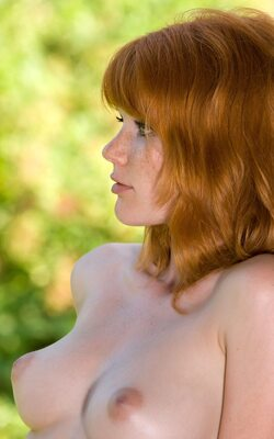 Picture tagged with: Watch4Beauty, Redhead, Mia Sollis