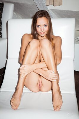 Picture tagged with: Watch4Beauty, Skinny, Blonde, Devil's Tongue, Katya Clover - Mango A